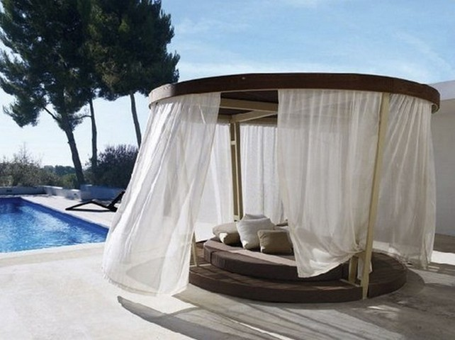 Circular-Bed-Canopy-Design